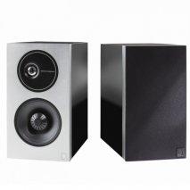 Definitive Technology D9 High Performance Bookshelf Speakers in Black pair