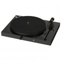 Pro-Ject Juke Box E Premium All-in-One Turntable in Black