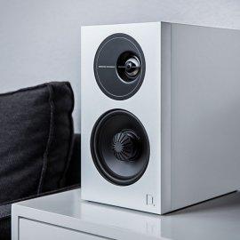 Definitive Technology D7 High Performance Bookshelf Speakers in White