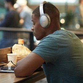 Bose QuietComfort 35 II Noise Cancelling Wireless Headphones Silver